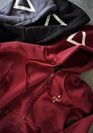 heavy zipped and hooded sweatshirt, manufactured with very resistant fabric